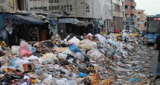DAKAR : 3000 tonnes d'ordures collectées par jour
