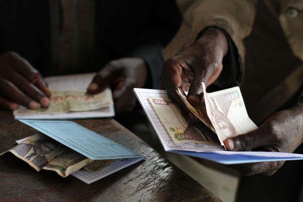 Systèmes financiers décentralisés : Une enquête révèle le nombre moyen de changement de compte
