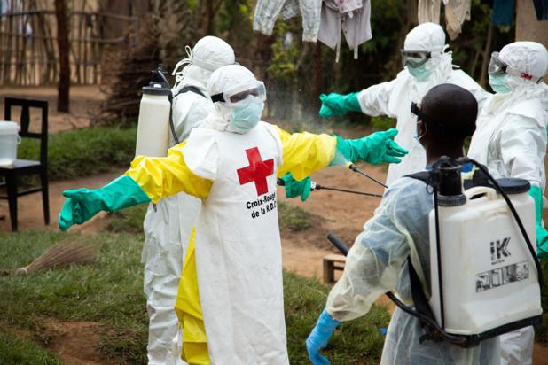 Croix-Rouge finlandaise/Maria Santto Rinçage des équipements de protection contre le virus Ebola à Beni, en République démocratique du Congo. (31 mai 2019).