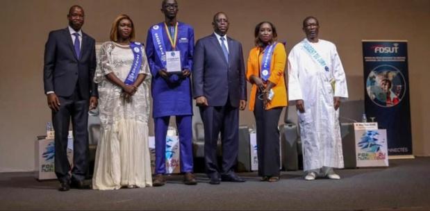 Innovation numérique :  Un bénéficiaire de la Der a reçu le Grand prix du chef de l'Etat