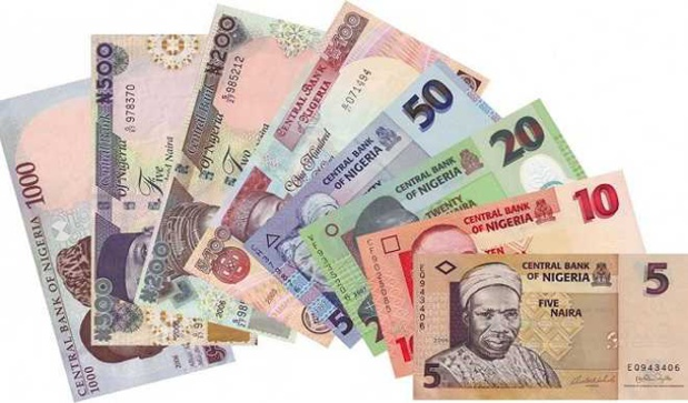 Nigeria : Le Naira glisse tandis que le « Naira 4 Dollar » devient étendu