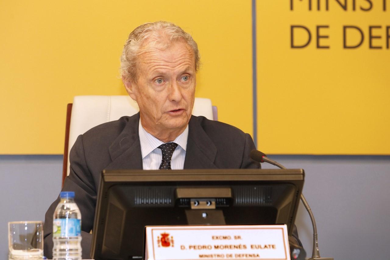 Cooperation le ministre espagnol de la d fense en visite for Ministre de defense
