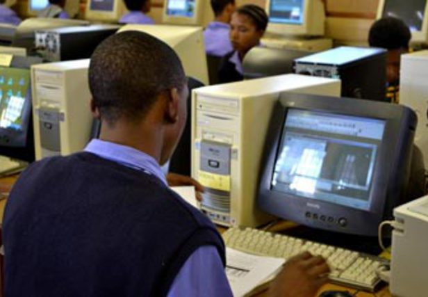 TICS : Les jeunes premiers utilisateurs de l'Internet