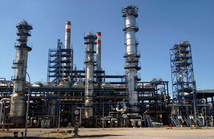 Industries chimiques : Bonne tenue des activités de fabrication de produits pharmaceutiques, et du raffinage pétrolier