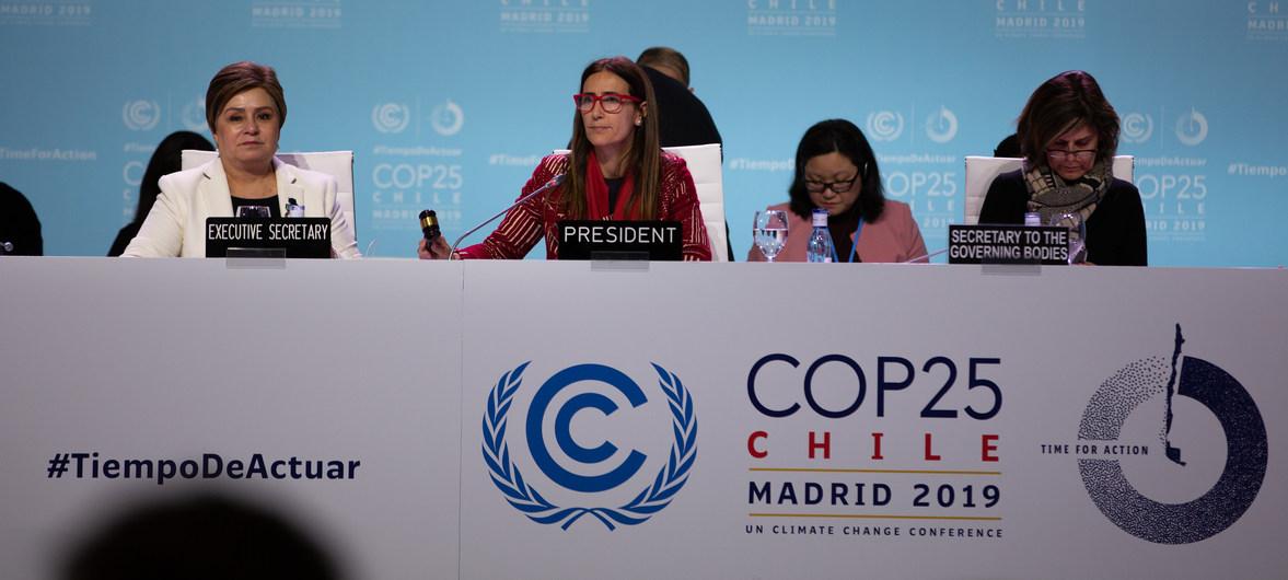CCNUCC La Secrétaire exécutive de la CCNUCC, Patricia Espinosa, et la Présidente de la COP25, Carolina Schmidt, lors d'un bilan sur les négocations de la COP25 au milieu de la nuit