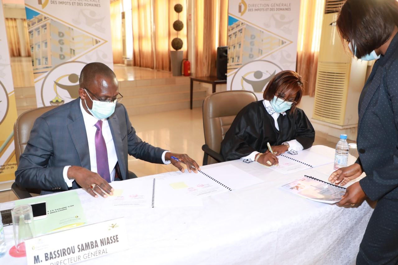 Direction générale des impôts et des domaines :  Signature des Contrats d'objectifs et de performance
