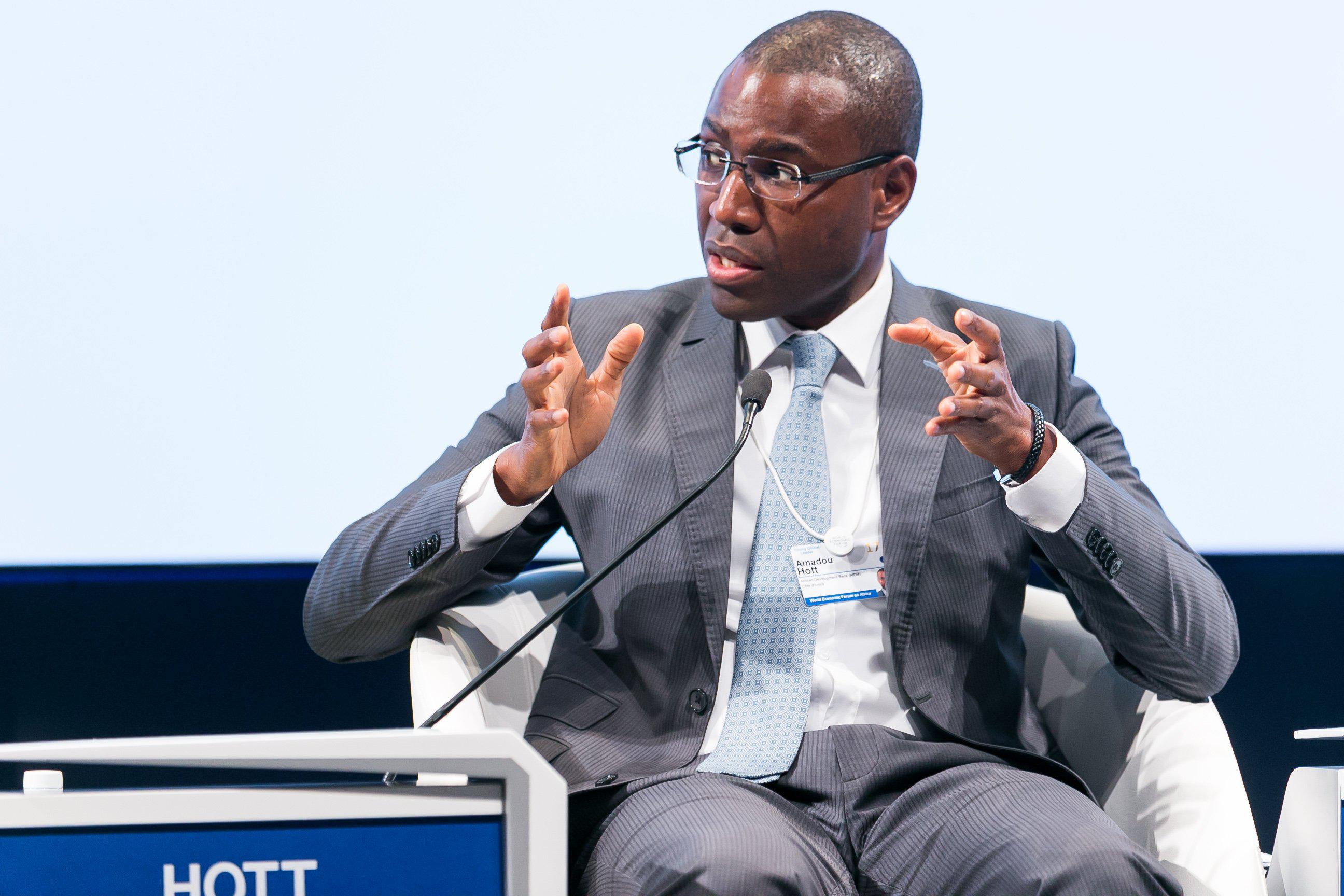 Amadou Hott, ministre de l'économie : «La recherche nécessite des ressources financières suffisantes qui ne sont pas toujours disponibles pour les « Thinks Tanks » évoluant dans nos pays.»