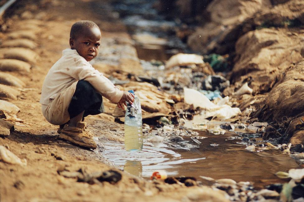 """Résultat de recherche d'images pour """"Afrique, eau potable, maladies liées à l'eau, afrique, africain, 2017"""""""