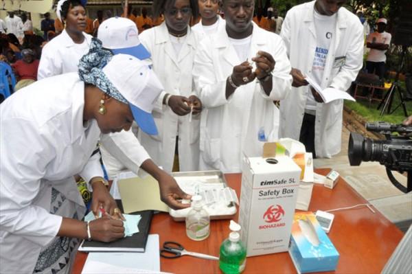 Le Sénégal compte renforcer ses ressources humaines en santé pour réussir sa couverture médicale universelle