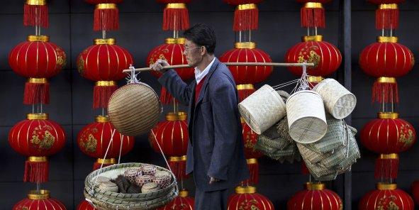 Chine : les importations s'effondrent, l'excédent commercial explose