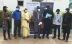Remise de 20 bonbonnes de 10 m3 aux centres de santé de Yoff et de Pikine : La Bnde oxygène Philippe Maguilène Senghor et Dominique