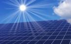 Le solaire doit devenir la première source d'énergie au monde avant 2050, selon l'AIE